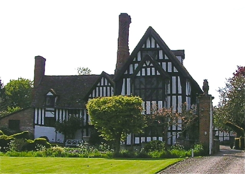 Huddington_court_